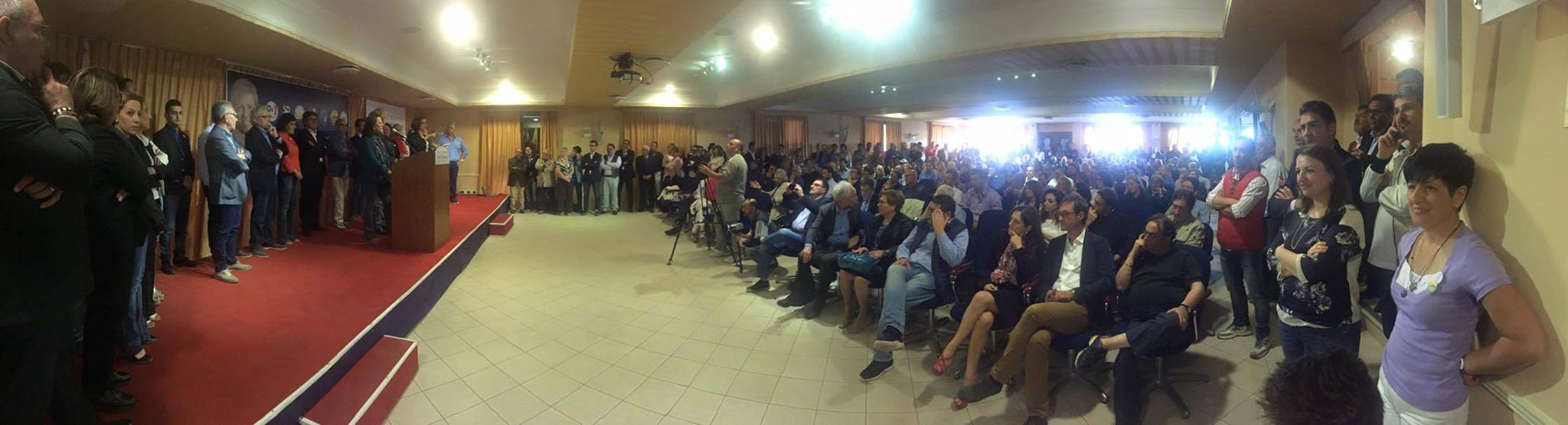 Lillo Firetto incontra gli agrigentini nei quartieri e presenta i candidati delle liste Agrigento Cambia e Agrigento Rinasce