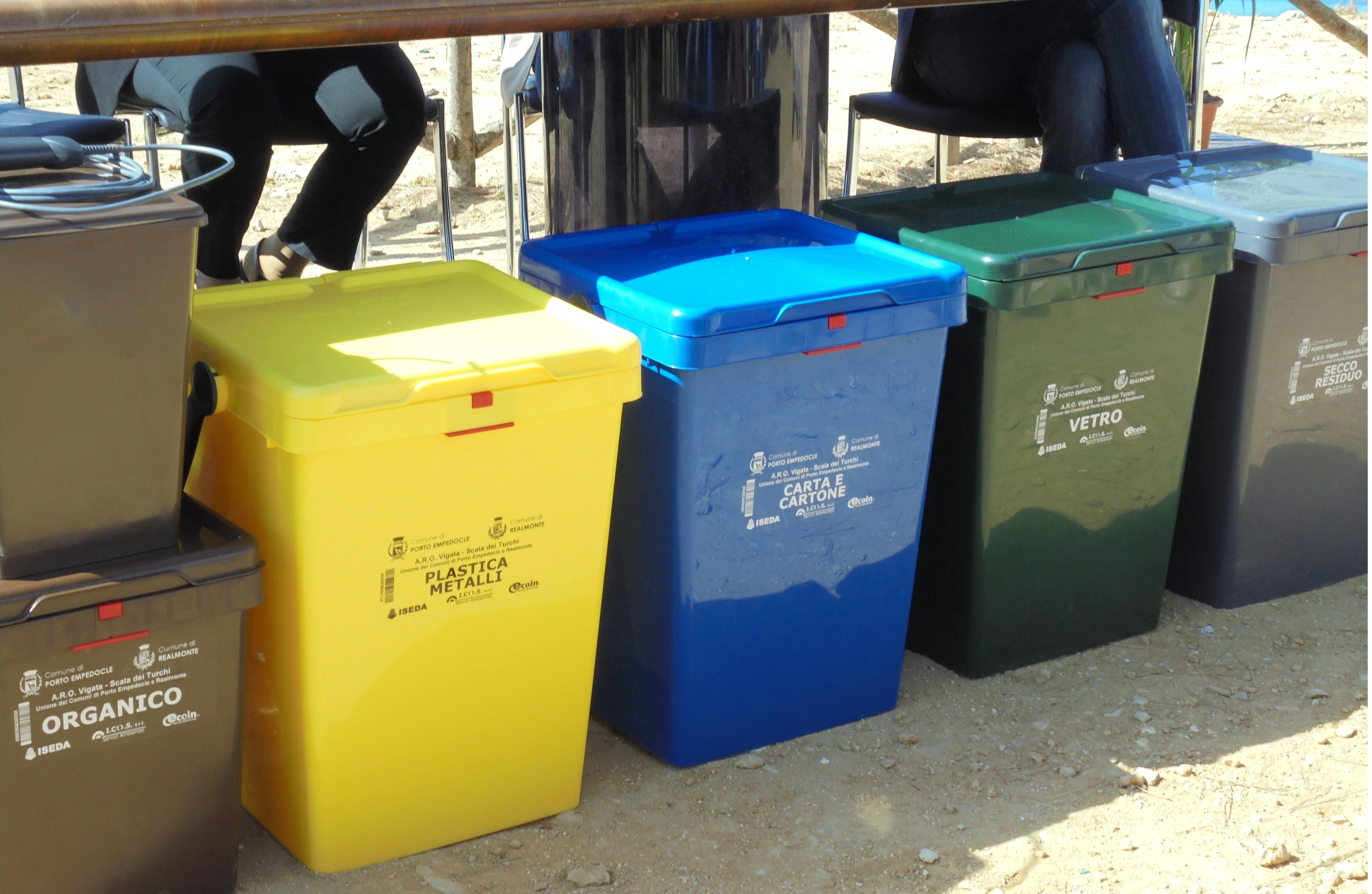 Porto Empedocle. Operatori ecologici verso la protesta