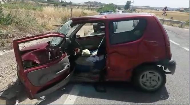 Castrofilippo. Violento scontro tra un'auto e un camion
