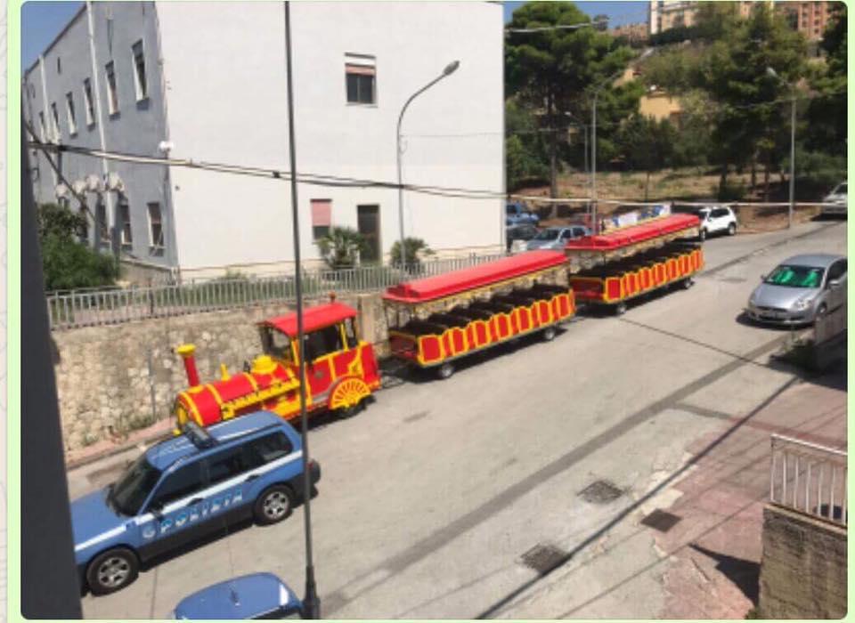 Agrigento. Trenino turistico non in regola: la Polizia Stradale ferma il variopinto convoglio