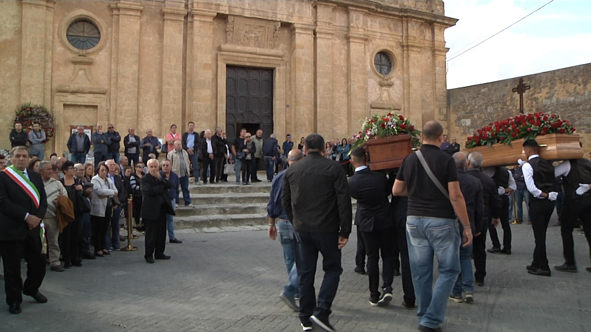 Le comunità di Favara e Naro hanno accompagnato  Franco e Gaetano nell'ultimo viaggio
