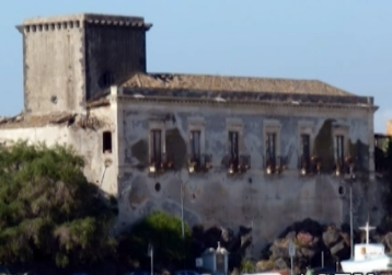 Vittorio Sgarbi pronto ad acquistare un castello per la Regione News Agrigentotv