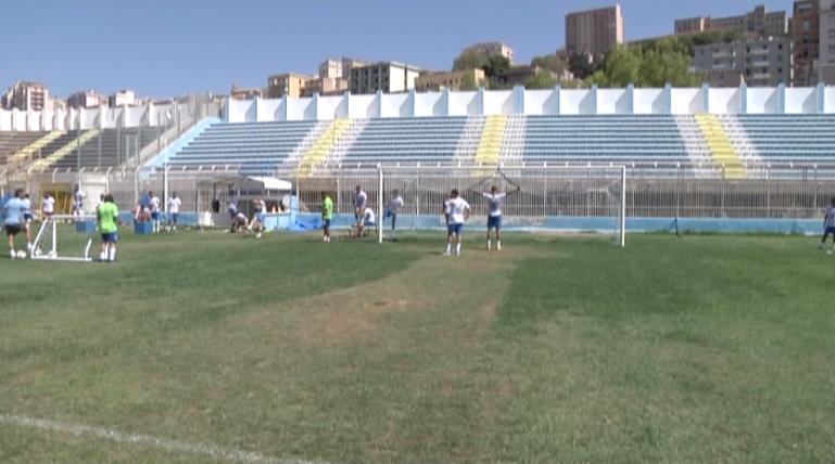 Akragas Calcio. Alessi verso la consegna della squadra al sindaco.