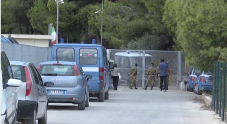 Lampedusa, denunciato tunisino.