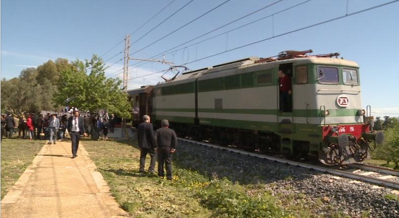 Mandorlo in Fiore, non poteva mancare il treno storico di Fondazione FS.