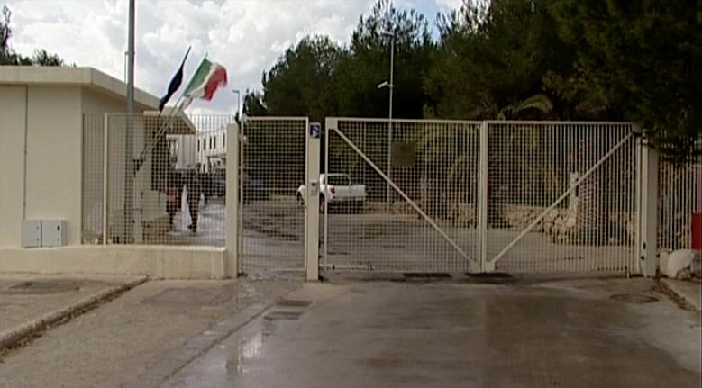 Lampedusa. Dopo la denuncia del USB il Viminale chiude temporaneamente l'hotspot. News Agrigentotv