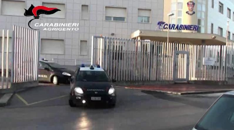 Operazione Caronte, scoperta una banda specializzata nel traffico di essere umani e sigarette.